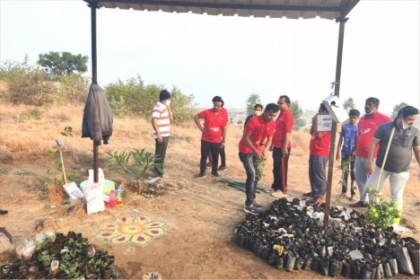 tree-plantation-abhiyan-fitness-club-deogiri-bank-aurangabad
