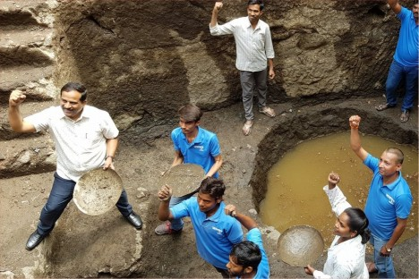water-body-cleaning-mukundwadi-historical-place-kishore-shitole-aurangabad