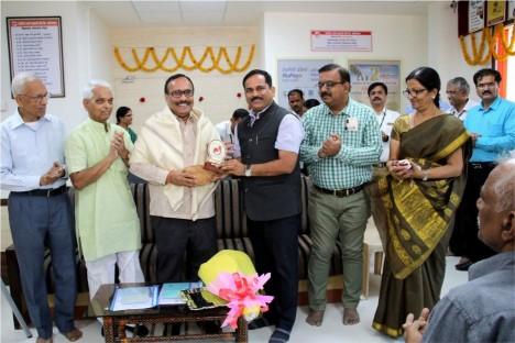 kishore-shitole-felistating-atul-save-at-deogiri-bank-renovation-ceremony-with-deogiri-bank-team