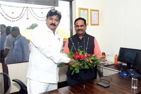 kishore-shitole-is-felistated-deogiri-bank-chairman-political-leader-social-worker-aurangabad